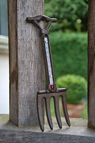 Cast-Iron-Garden-Fork-Shaped-Thermometer-0
