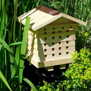 Solitary-Bee-Hive-PLUS-laminated-field-guide-to-British-bees-0