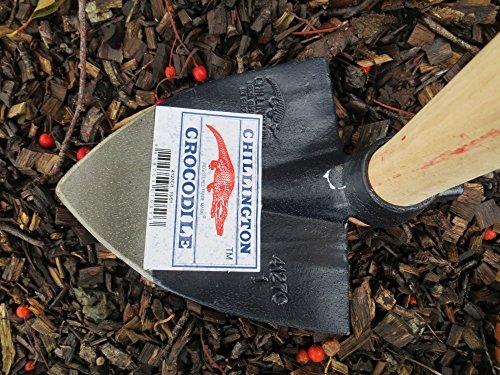 Ridging-Hoe-Chillington-Crocodile-Garden-Hoe-47-Wooden-Handle-0